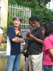 Malaysiakini\'s Steven Gan interviewed by journalist Bradadan Kuppusamy